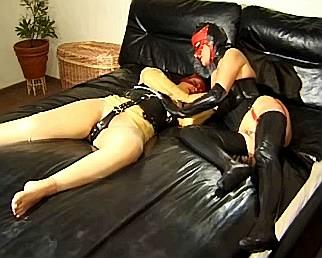 SLAVIN IN LEER SEXFILM TRAILER