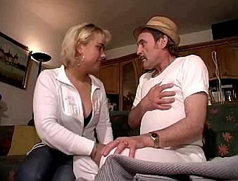 seksverhalen neukenmet moeder van vriend