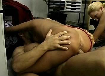 dikke incest moeder huisvrouw