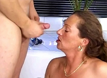 sexy mamy met zoon