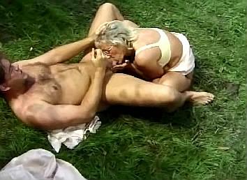 oma sex vid beste sex dating site