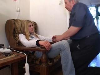 zoon neukt moeder gratis seksfilm