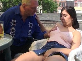 oma neef sex verhalen
