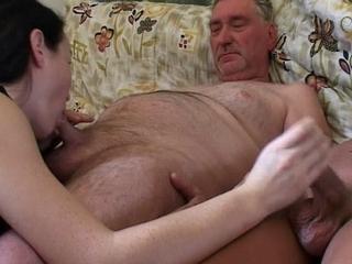 sexverhaal oma kleinzoon