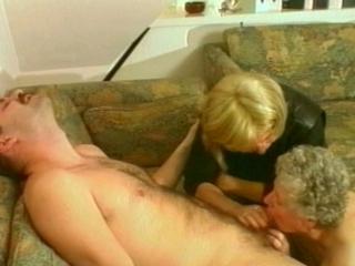 mama kleine jongen sex verhalen