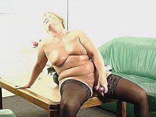 GEILE OMA SEXFILM TRAILER