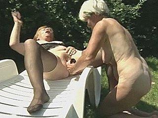 dit is oma met haar vette kut